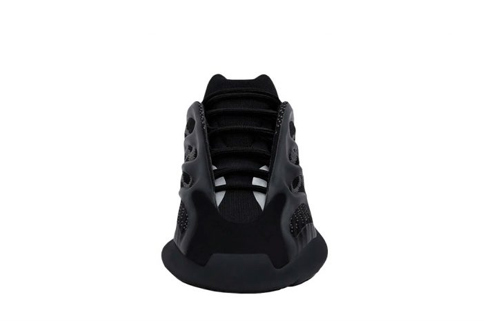 Adidas Yeezy Boost 700 v3 | H67799