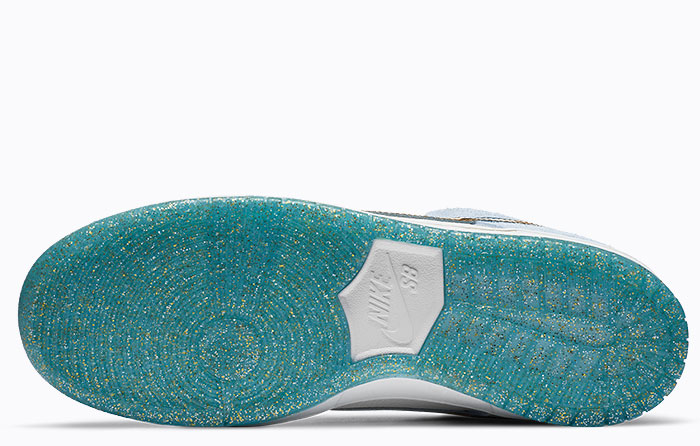 Nike SB Dunk Low x Sean Cliver Holiday Special | DC9936-100